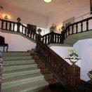 Der prächtige Stiegenaufgang - einläufige Zeremonientreppe im frühklassizistischen Stil. © Josef Sturm