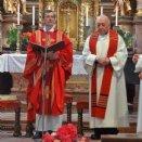 Propst Franz Lusak beim 25-jährigen Priesterjubiläum mit Konzelebrant Kanonikus Dr. Erich Tischler.
