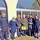 Bei tiefen Minustemperaturen aber viel Sonne im Herzen feierte die Pfarrgemeinde am 25.2.2018 gemeinsam mit den Mitarbeiter/innen des Berufungspastoralteams den Berufungssonntag.  Im Bild von links nach rechts:  Tobias Giglmayer (Regens des Priesterseminars), Elisabeth Hager, (Liturgiekreis) Gisela Hartinger, (PGR, Berufungspastoral), Irene Blaschke (Leiterin des Referats Berufungspastoral), Franz Lusak, (Propst), Sr. Katharina Fuchs (Mitarbeiterin des Referats Berufungspastoral) © Pfarre