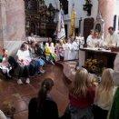 die Kinder der Kinderkirche beim Gottesdienst © L. Löffelberger