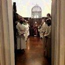 Ministrantenaufnahme - zum Schluss in der Sakristei © Pfarre Mattsee
